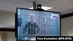 На экране монитора - Павел Устинов в Московском городском суде. 20 сентября 2019 г.