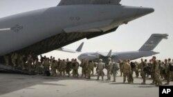 د ٢٠١۴ کال په پای کې اکثر ب]رني سرتیري له افغانستان څخه ووتل