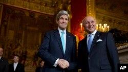 ABD Dışişleri Bakanı John Kerry ve Fransa Dışişleri Bakanı Laurent Fabius