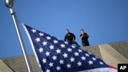 Sở Mật vụ Hoa Kỳ được giao trọng trách bảo vệ Tổng Thống Mỹ và các giới chức cấp cao khác của chính phủ.