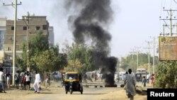 Abigaragambya batwitse imipira y'imodoka mu murwa mukuru Khartoum, tariki ya 24/01/2019