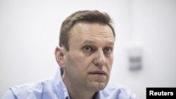 Pemimpin oposisi Rusia Alexei Navalny dibebaskan hari Minggu (6/5). (Foto: dok.)