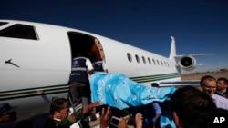 Sebuah pesawat yang membawa korban sebuah serangan di El Alto, Bolivia. (Foto: Ilustrasi)
