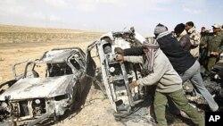 لیبیا: باغیوں پر نیٹو کے فضائی حملے کی تحقیقات