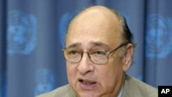 Former U.N. war crimes prosecutor Desmond de Silva (file photo)