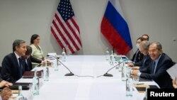 Nga takimi i Sekretarit amerikan të Shtetit Blinken me Ministrin e Jashtëm rus Lavrov (Rejkjavik, Islandë, 19 maj 2021)