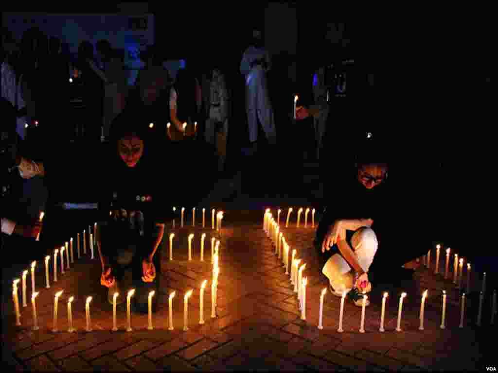 کراچی میں ارتھ آور منایاگیا