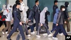 지난 2011년 탈북자들이 한국 인천 공항을 통해 입국하고 있다.