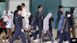 지난 2011년 탈북자들이 한국 인천공항을 통해 입국하고 있다. (자료사진)
