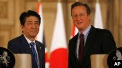 Japanski i britanski premijer, Šinzo Abe i Dejvid Kameron, tokom susreta u Londonu