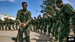 Церемония празднования победы коалиции над исламскими террористами, Багуз, Сирия, 23 марта 2019 года