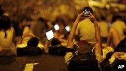 په چین کې د هانگ کانگ د مظاهرو په خبرونو بندیز لگول شوی