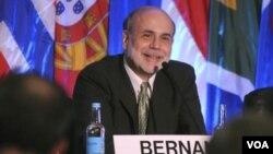 Ben Bernanke espera que la economía repunte en la segunda mitad de este año.