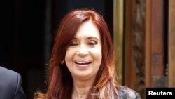 El alquiler del avión inglés para la gira de la presidenta Fernández tiene un valor de $880 mil dólares.