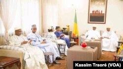 Kayes sigidamogow hakilinaw, ATT ka, sigeni Bamako