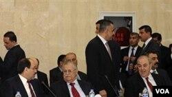 Mantan PM Irak Ibrahim Jafari, PM Irak Nouri al-Maliki, Presiden Irak Jalal Talabani and Mantan PM IrakAyad Allawi saat pertemuan di Baghdad, Irak.