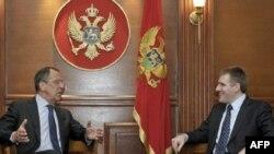 Šef ruske diplomatije Sergej Lavrov u Podgorici razgovara sa crnogorskim premijerom Igorom Lukšićem, 19. aprila 2011.