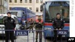 'Balyoz' Soruşturmasında 12 Ordu Mensubu Adliyeye Sevkedildi