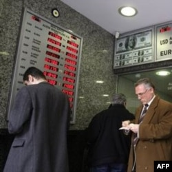 Hozir 1 AQSh dollari 1, 8 lira atrofida