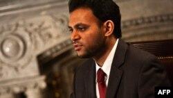 32 yoshli Rashad Hussayn AQShning Islom Konferensiyasi Tashkilotidagi maxsus vakili. Huquqshunos va islomshunos.