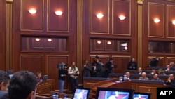 Kosovë: Seancë e jashtëzakonshme e parlamentit mbi bisedimet Kosovë-Serbi