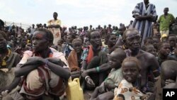 Irin mutane Sudan da suka rasa matsuguninsu a sakamakon fafatawa a kasar.