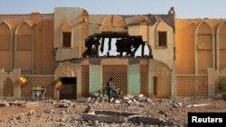 L'ancien bâtiment des douanes qui servait de base aux islamistes radicaux, à Gao, au Mali, le 28 février 2013.