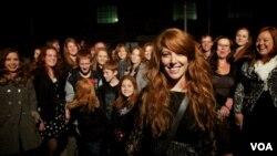 South African Artist Plots Worldwide 'Redhead Revolution'