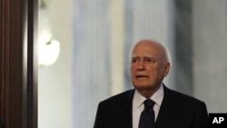 Tổng thống Hy Lạp yêu cầu lãnh tụ các đảng thành lập chính phủ kỹ trị gồm chuyên gia, học giả thay vì chính trị gia và các nhà hành chánh