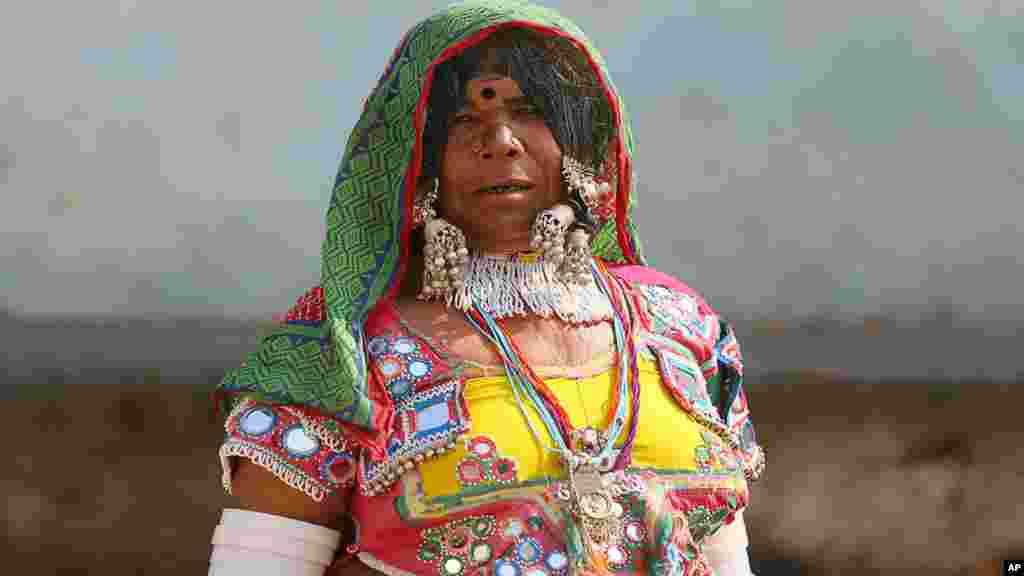 حیدرآباد کی رہائشی رکلی کا کہنا ہے کہ انہوں نے زندگی میں صرف دو بار ووٹ ڈالا ہے لیکن کسی بھی حکومت نے ان کے گاؤں کے لیے کچھ نہیں کیا۔