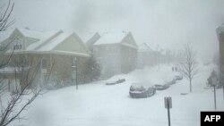 برف و بوران سنگینی شمال شرقی آمریکا را پوشاند
