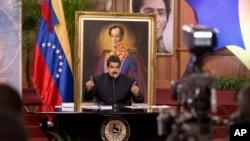 Venezuela's President Nicolas Maduro speaks at a news conference in Caracas, Aug. 22, 2017.