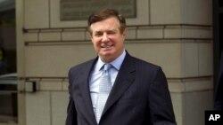 Foto de archivo, 23 de mayo de 2018, de Paul Manafort, ex jefe de la campaña presidencial de Donald Trump, saliendo de una corte federal en Washington.