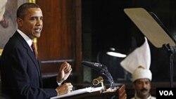Presiden AS Barack Obama memberikan pidato di depan anggota parlemen India di New Delhi.