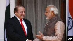 د هند او پاکستان مشرانو په تاریخ کې د لومړي ځل دپاره مخامخ وکتل