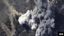 Pesawat tempur Rusia membom sasaran militan ISIS di Suriah (foto: dok). ISIS mengancam akan menyerang Rusia sebagai pembalasan bom di Suriah.