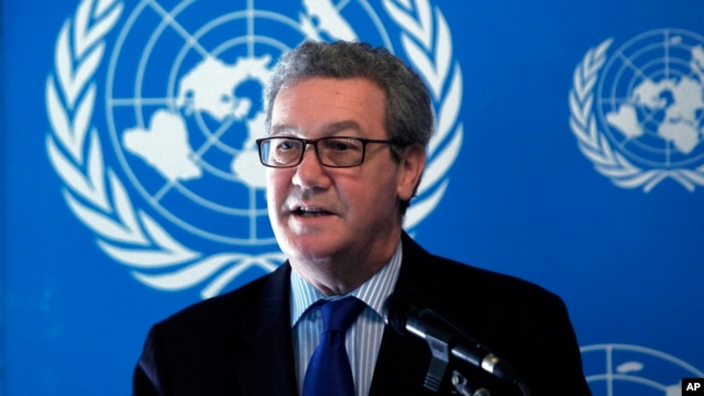 The outgoing United Nations envoy to Cyprus Alexander Downer speaks to the media during a press conference in Nicosia, March 27, 2014.