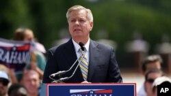 El senador Graham durante el anuncio de su candidatura para la Casa Blanca, este lunes, 1 de junio, de 2015.