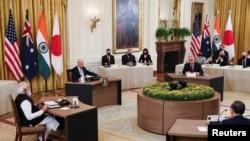 """拜登总统在白宫主办有印度总理莫迪、澳大利亚总理莫里森和日本首相菅义伟参加的""""四方""""领导人峰会。(2021年9月24日)"""