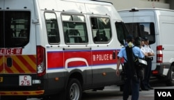 香港警方在法庭外加強保安。(美國之音湯惠芸)