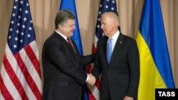 Президент Петро Порошенко і віце-президент Джозеф Байден