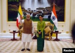 India's Prime Minister Narendra Modi meets Myanmar's Aung San Suu Kyi on September, 6, 2017. (Reuters)