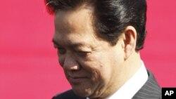Thủ tướng Việt Nam Nguyễn Tấn Dũng được cho là đã 'thoát khỏi sự trừng phạt dù bị phê bình'