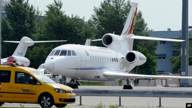 The plane of Bolivia's President Evo Morales is parked at Vienna's Schwechat airport, July 3, 2013.