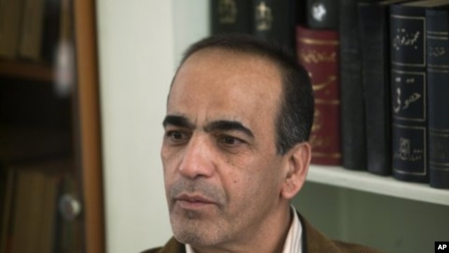 Masoud Shafii, the Iranian lawyer of three detained American hikers speaks with a Reuters correspondent at his office in Tehran, February 5, 2011.