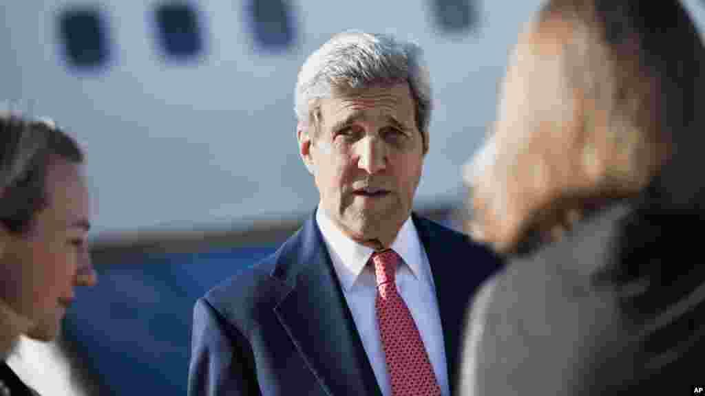 U.S. Secretary of State John Kerry arrives at Queen Alia Airport, Amman, Jordan, Wednesday, Sept. 10, 2014.