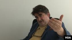 Nerzuk Ćurak, profesor na Fakultetu političkih nakuka u Sarajevu