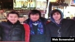 Des camarades étudiants avec Dzhokhar Tsarnaev
