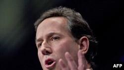 Cựu Nghị sĩ Rick Santorum nói trong 1 cuộc tụ họp rằng ông sẽ đưa ra những chính sách kích thích tăng trưởng kinh tế