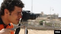 Para aktivis di Mesir berharap program-program TV mereka mengurangi tabu seputar ateisme di Timur Tengah (29/4). (VOA/H. Murdock)